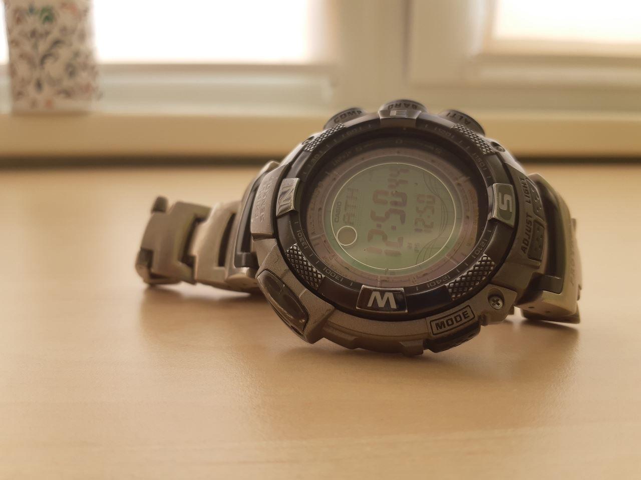 Часы casio бу продам часов ломбарды дорогих в москве швейцарских